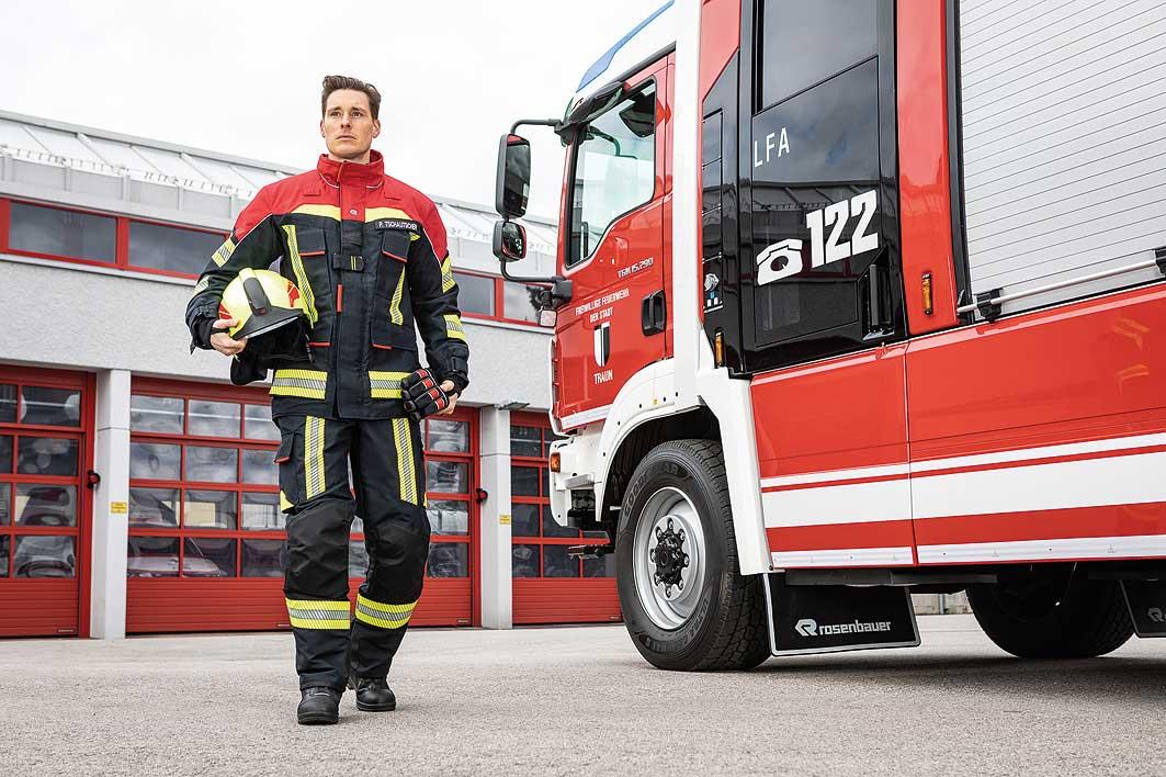 Rosenbauer stellt neuen Schutzanzug »Fire Flex« vor