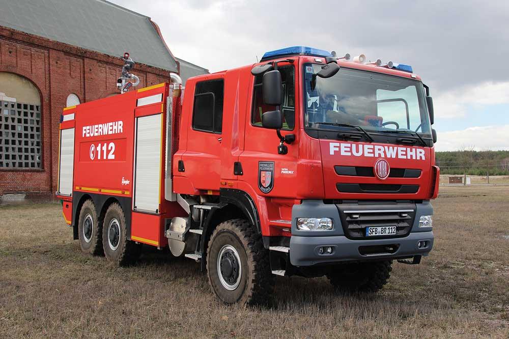 Feuerwehr Senftenberg:  erstes TLF 9000 auf Tatra Phoenix