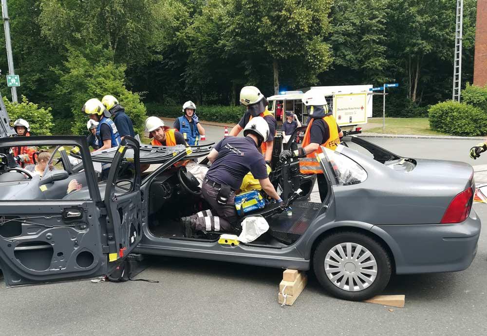 Übungsfahrzeuge zur zerstörungsfreien Ausbildung der technischen Rettung