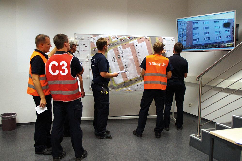 Einsatzsimulation bei der  Führungsausbildung der  Feuerwehr Frankfurt am Main