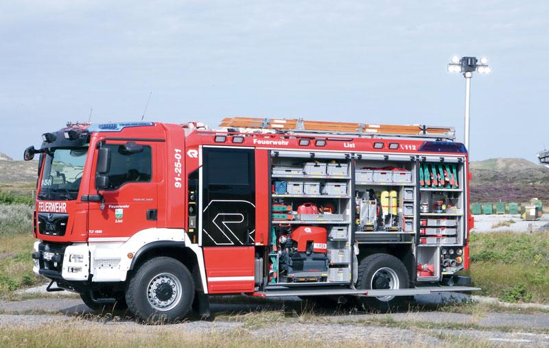 List auf Sylt:  TLF 4000 mit Staffelkabine