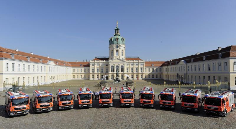 Berliner Feuerwehr stellt zehn LHF in Dienst