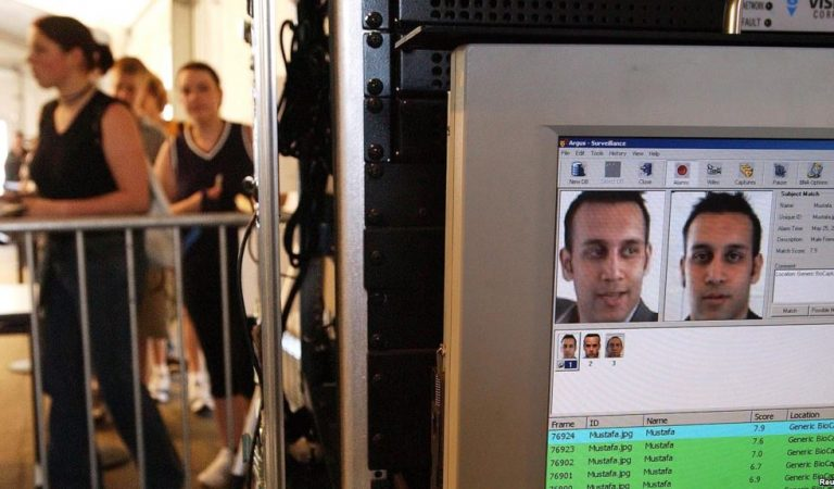Yüz tanıma teknolojisi, Dulles Havalimanı'nda bir sahte pasaport sahibini yakalattı