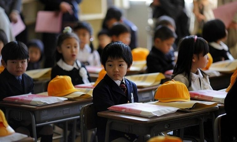 Okullar açılıyor: Özenti değil seçici olarak, Batı'dan Uzakdoğu'ya eğitim sistemlerine bakalım