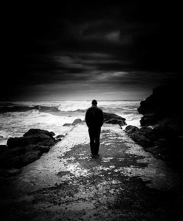 Tecrübenin alevinde yoğrulmuş bir yaşam yolcusunun, ders niteliğinde asil dizeleri…