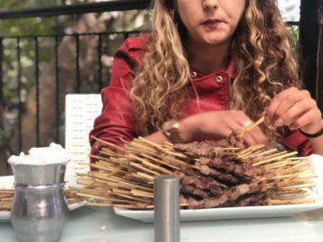 43 kiloluk kadın 290 çöp şiş yiyerek bakın nasıl rekor kırdı