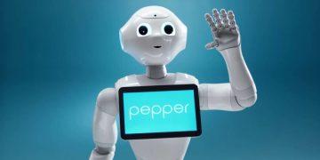 Bir asistandan daha fazlası: Robot Pepper'ın milletvekilleri ile Yapay Zeka'nın geleceği hakkındaki sohbeti