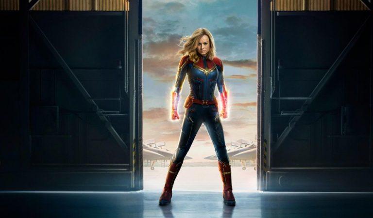 Captain Marvel'in 2. fragmanında, Carol Danvers tüm kozmik cephanesini boşaltıyor