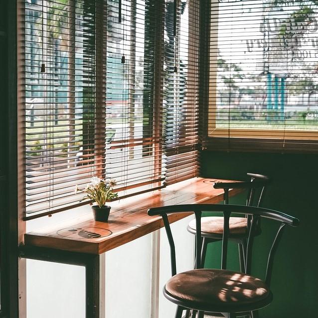 investir dans un studio dividom. Black Bedroom Furniture Sets. Home Design Ideas