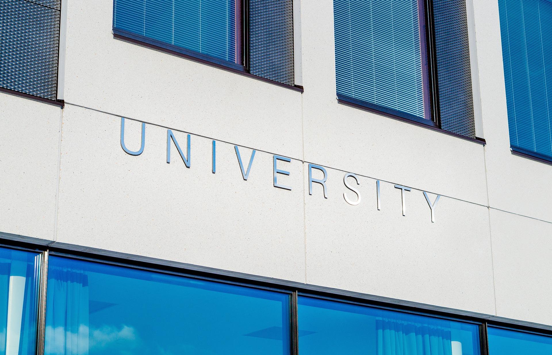 University 2119707 1920