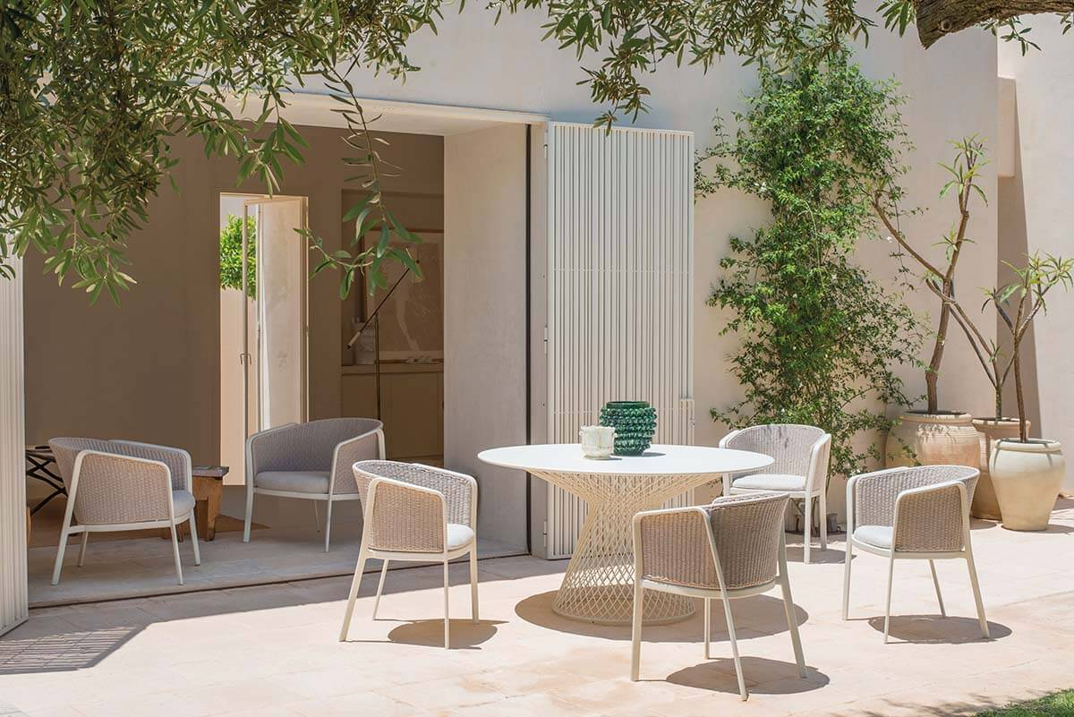 Garden armchair outside in collection carousel for Arredo giardino