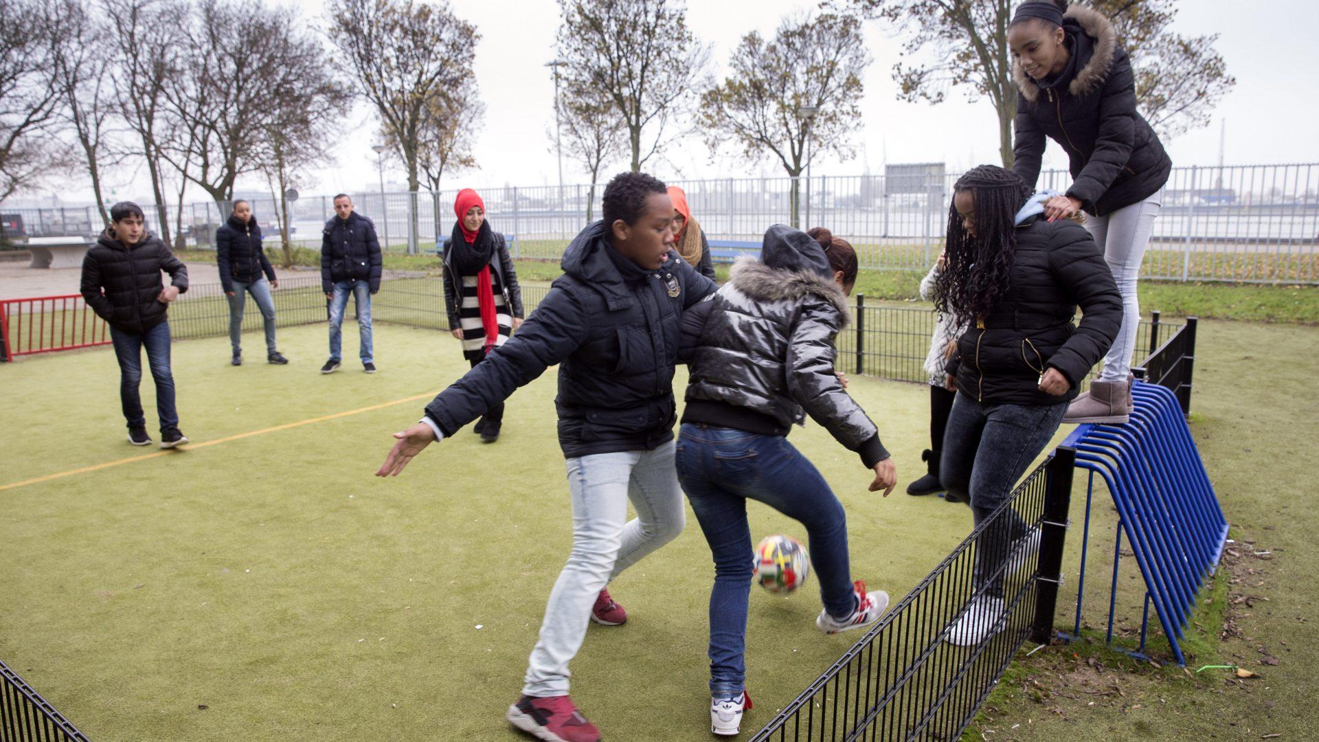 Spelende scholieren