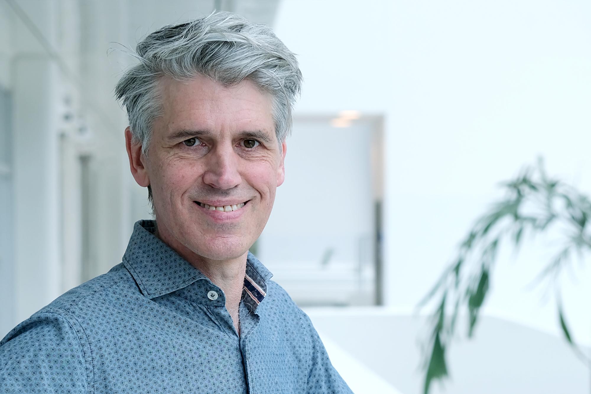 Prof. dr. John Martens