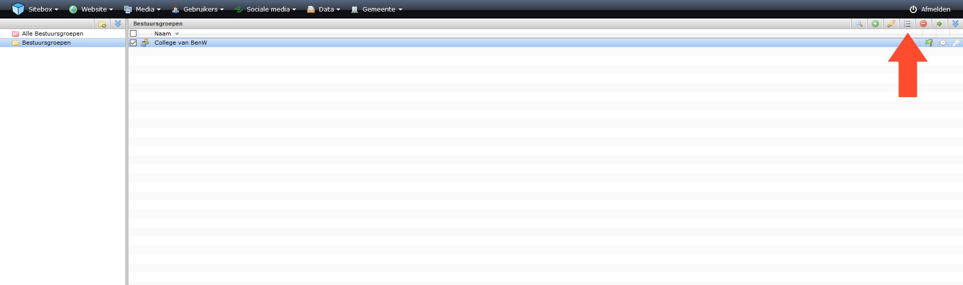 schermafdruk van de module bestuursgroepen met een pijl naar de actieknop sort order
