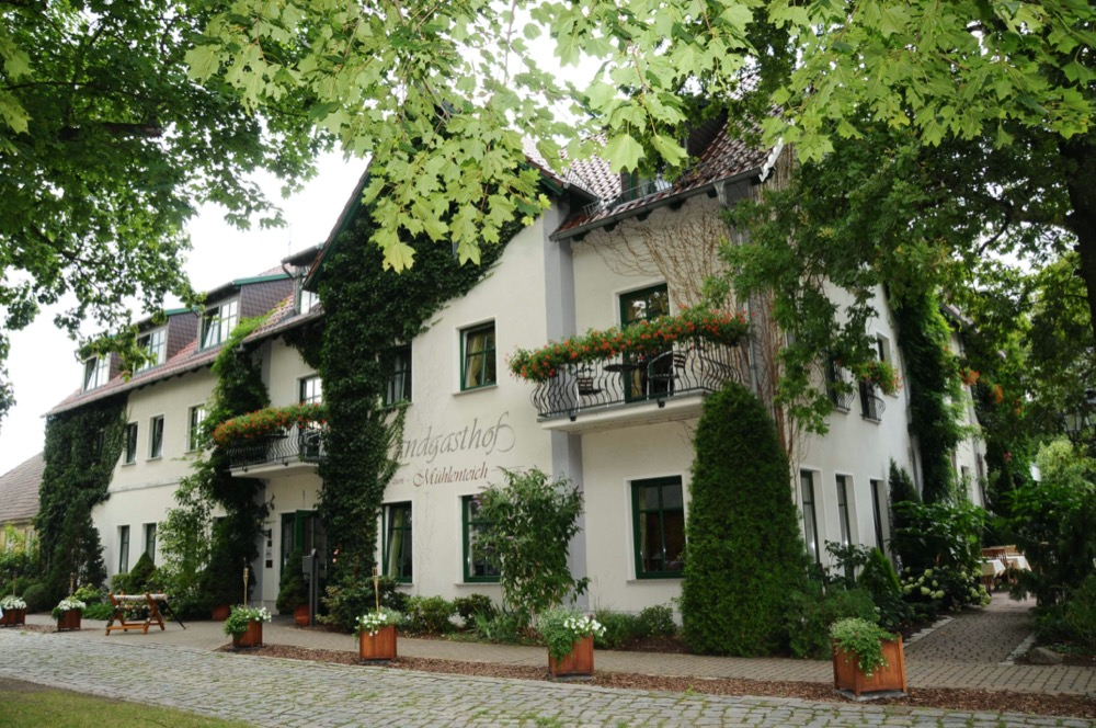 Restaurant Landgasthof zum Mühlenteich ideale Location für Events bis 120 Personen in Petershagen