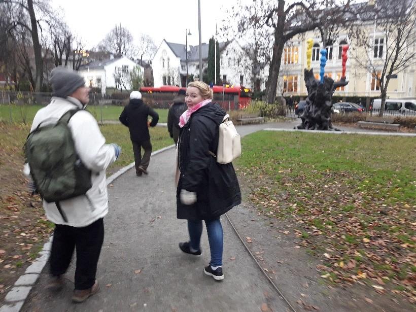 Dösä-hankkeen työryhmä kävi Norjassa opintomatkalla ja tutustui mm. pistohuoneisiin.
