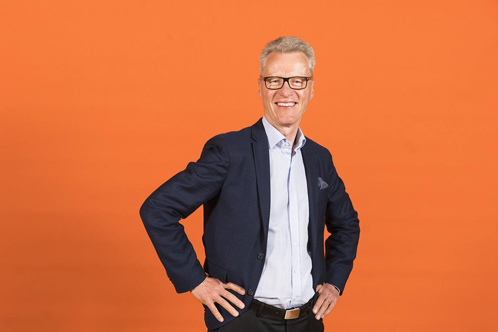 Kuvassa on Diakonissalaitoksen Diakonia ja sosiaalinen vastuu -toimialan johtaja Ilkka Kantola.