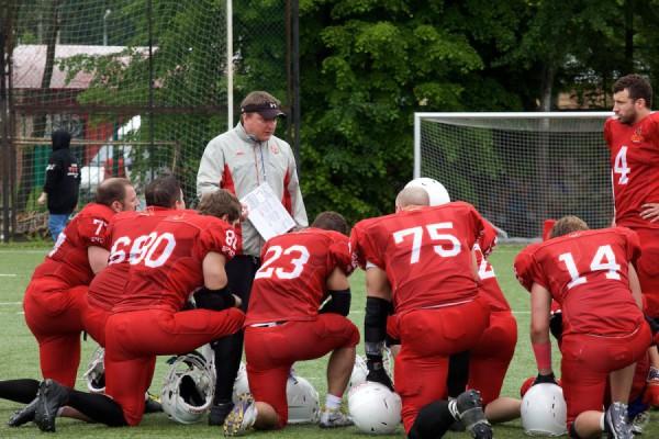 May 23, 2015 / Troitsk, Moscow Region, Russia / Vityaz offense coordinator Dmitry Maximov instructing the team / © First&Goal (firstandgoal.ru) / Viet Nguen