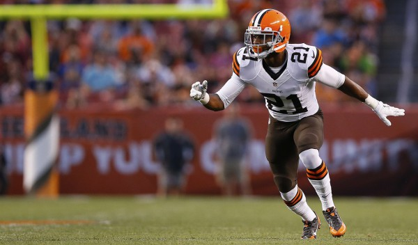 Cleveland Browns rookie cornerback Justin Gilbert (21) defends during an NFL football game against the St. Louis Rams at FirstEnergy Stadium on Saturday August 23, 2014 in Cleveland, Ohio. St. Louis won 33-14. (AP Photo/Aaron M. Sprecher)