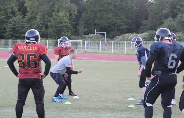Тренировка карельских «Оружейников» на стадионе «Юность» в Петрозаводске