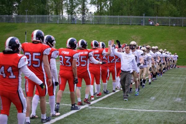 May 16, 2015 / Yaroslavl, Russia / Rebels and Nroth Legion teams after the game / © First&Goal (firstandgoal.ru) / Yuriy Marin