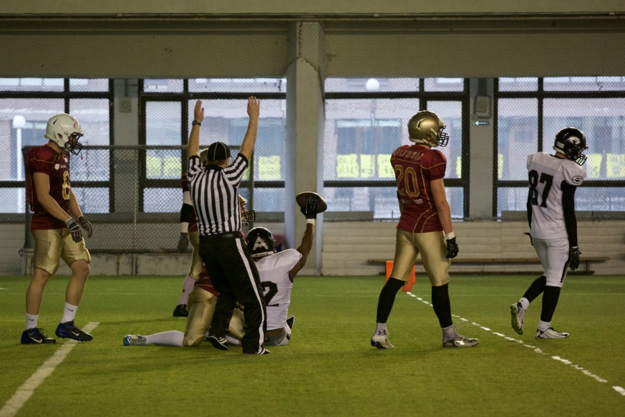 November 7, 2015 / Saint Petersburg, Russia / Talib Weis (Black Storm) just cought a touchdown pass on 2-point realization / © First&Goal (firstandgoal.ru) / Yuriy Marin