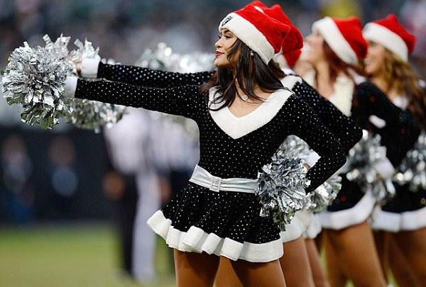 Raiders Christmas Cheerleaders