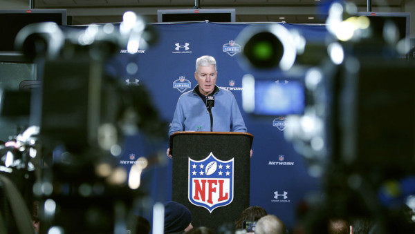 INDIANAPOLIS, IN - FEBRUARY 19: Green Bay Packers general manager Ted Thompson speaks to the media during the 2015 NFL Scouting Combine at Lucas Oil Stadium on February 19, 2015 in Indianapolis, Indiana. (Photo by Joe Robbins/Getty Images)