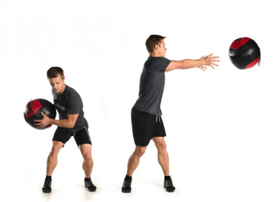 med-ball-twist-toss