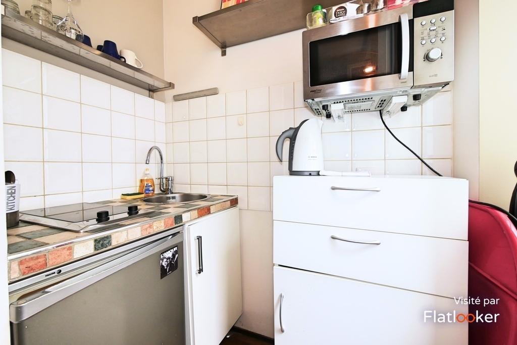 location saint s bastien froissart 75003 paris 950. Black Bedroom Furniture Sets. Home Design Ideas