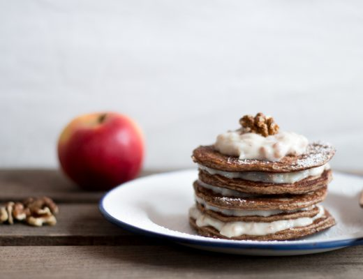 Pancake Turm mit Bircher Müsli {flowers on my plate}