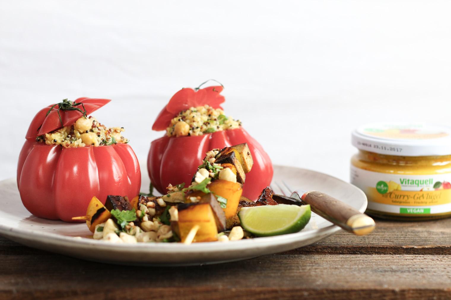 Gartenfest: Zweierlei gegrillter Ananas & Curry Quinoa Salat {flowers on my plate}
