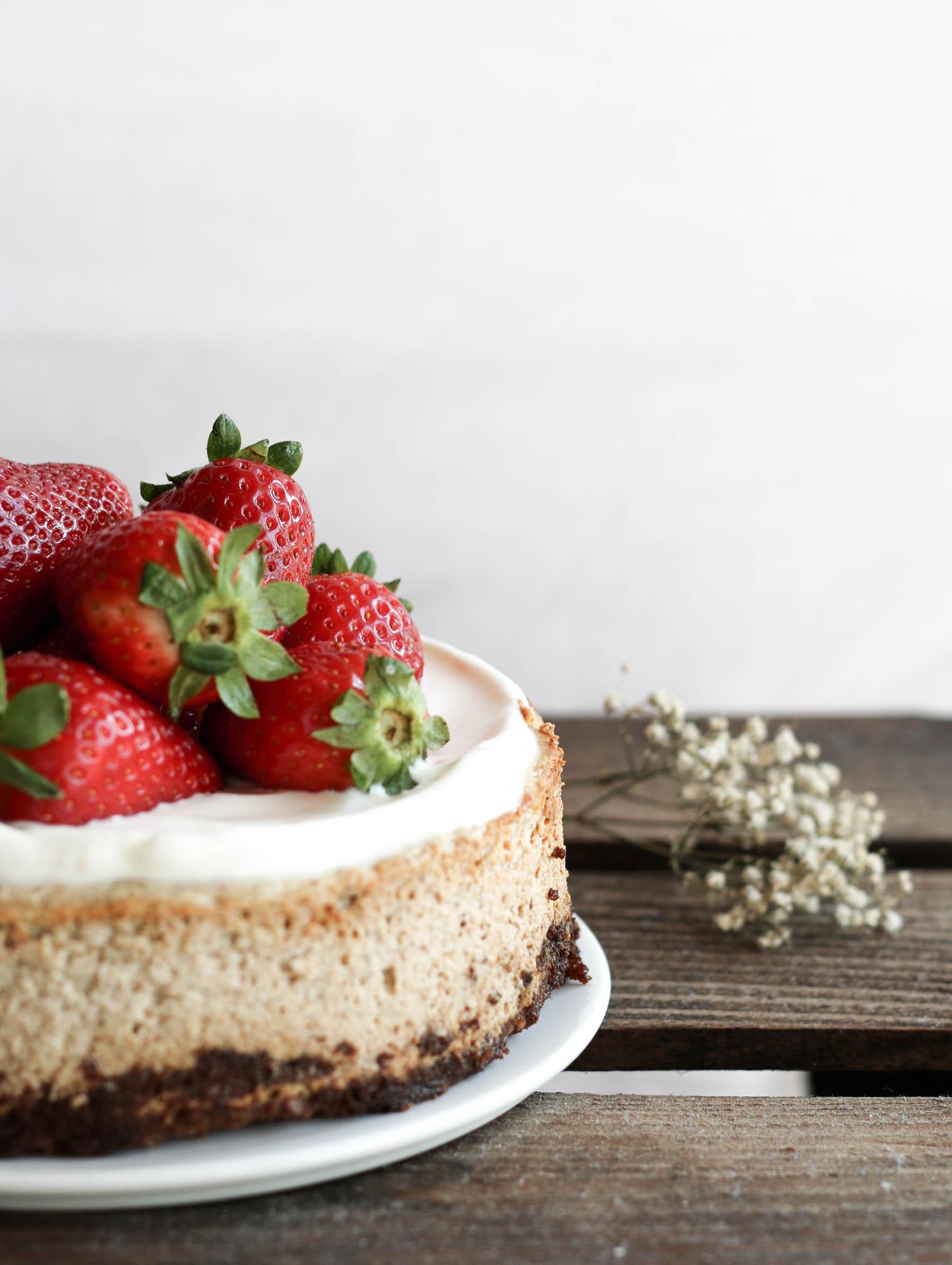 Erdbeer & Ricotta Cheesecake, zuckerfrei {flowers on my plate}