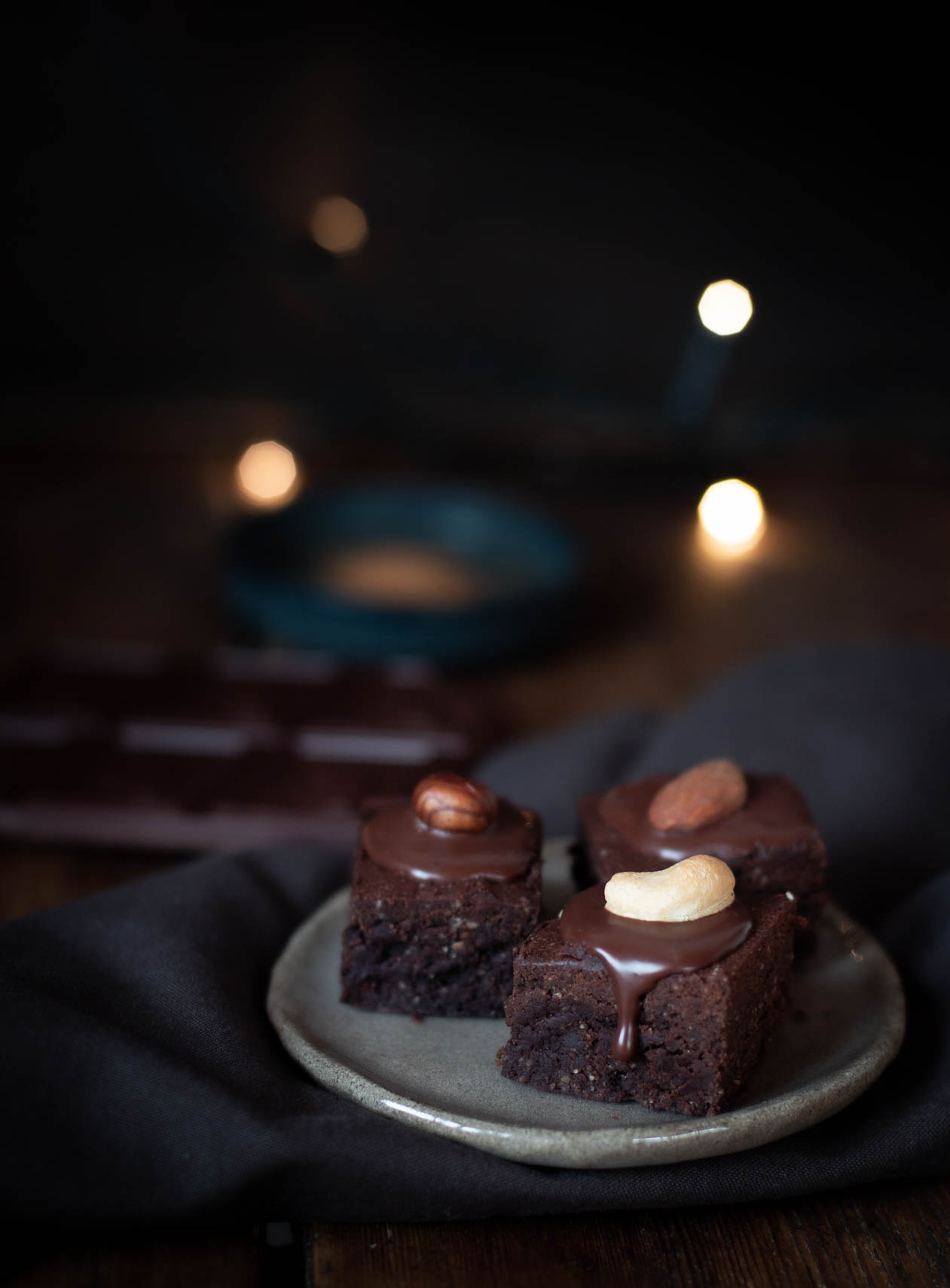 Schoko & Nuss Weihnachtsbrownies {flowers on my plate}