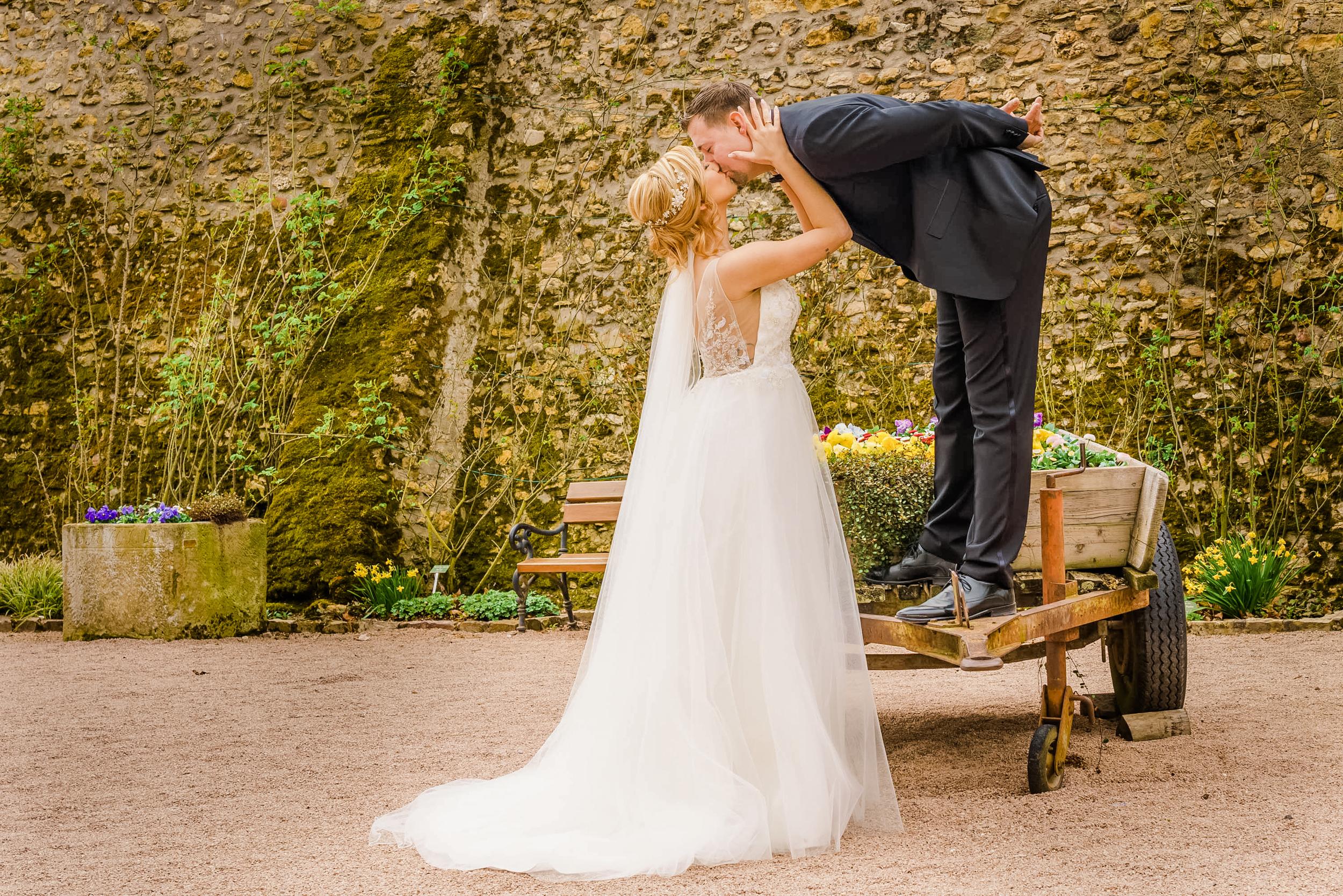 Brautpaarshooting_Hochzeitsfotograf am Rhein