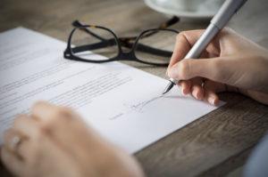 Schlechtes Arbeitszeugnis erhalten? Hast Du Rechte auf ein besseres?
