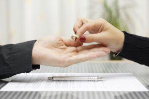 Scheidung: So solltest Du vorgehen, wenn die Ehe gescheitert ist.