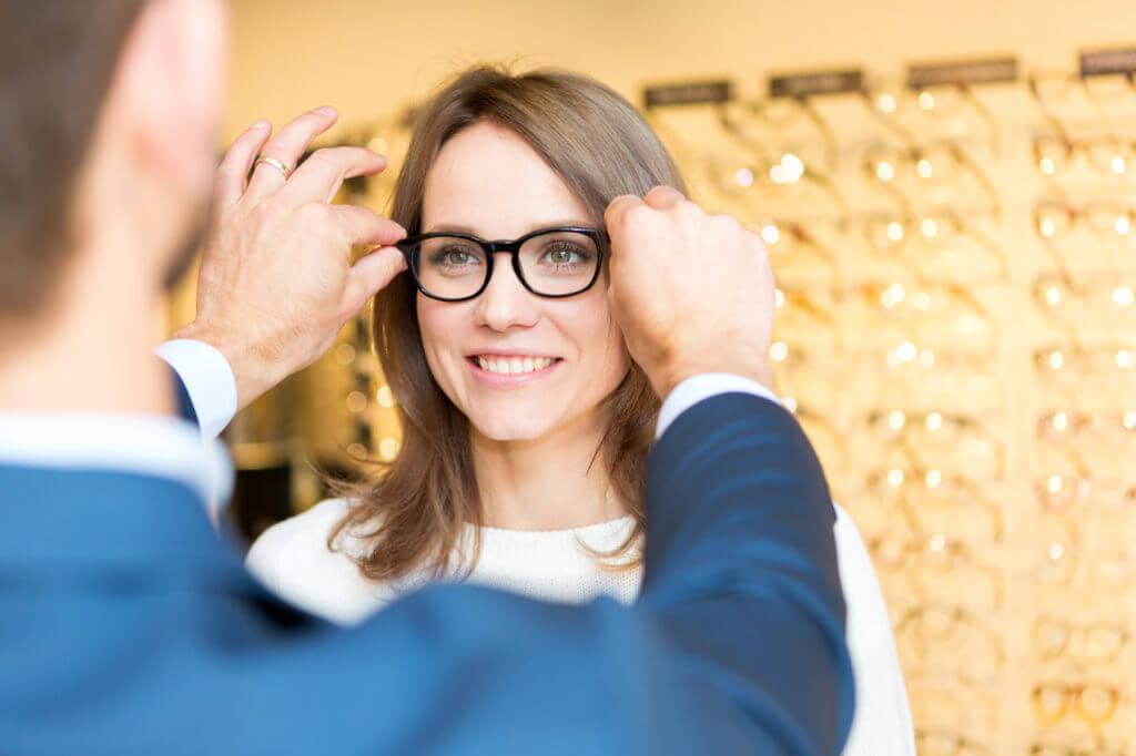 kontaktlinsen wie viel schwächer als brille