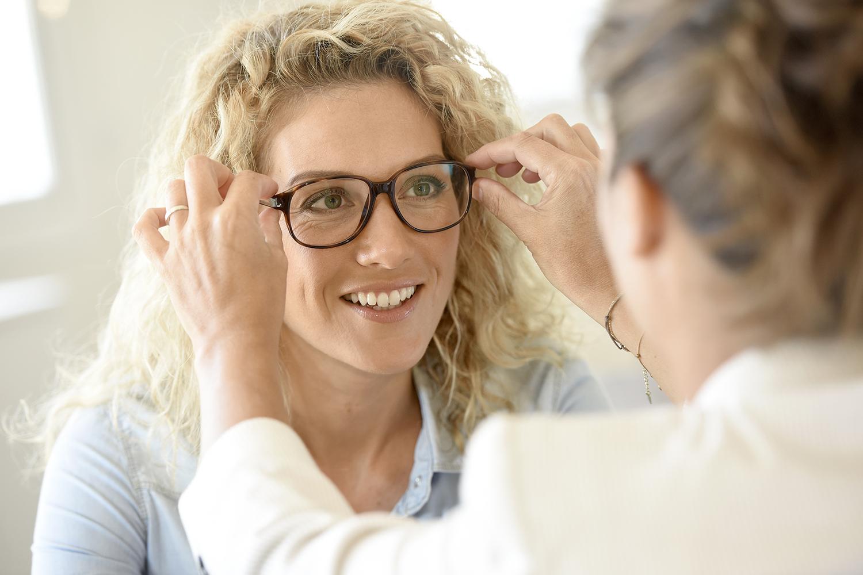 Für Einen Beschwerdefreien Brillenalltag Die Brille Optimal Einstellen