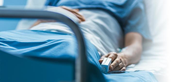 Krankenhauskeime-Mann-im-Krankenhaus