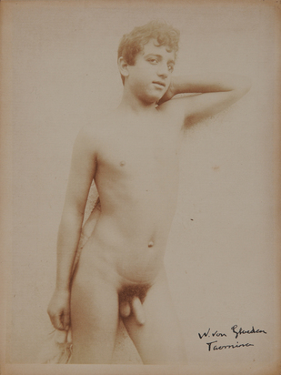 Gloeden Wilhelm von, Stehender Jüngling