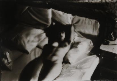 Munkasci Martin, Akt auf einem Bett