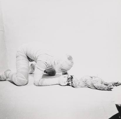 Schwarzkogler Rudolf, Portfolio. Aktion mit seinem eigenen Körper