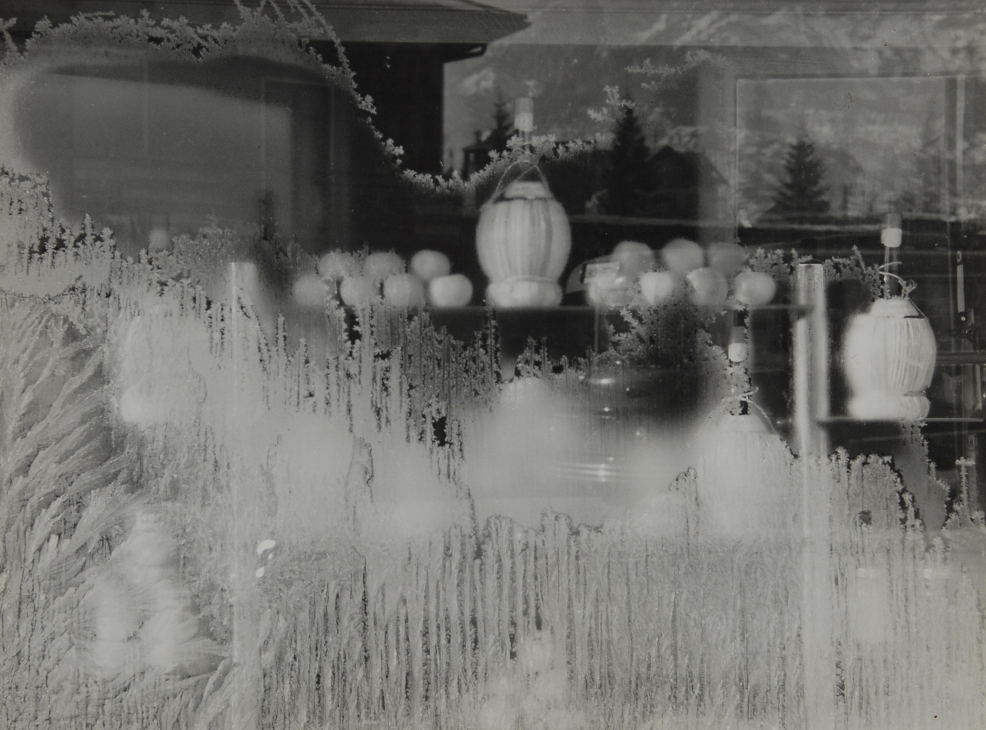 De Luigi Eugenio, 2 photographs: Riflessi in una vetrina a Lucerna, 1952; La vetrina