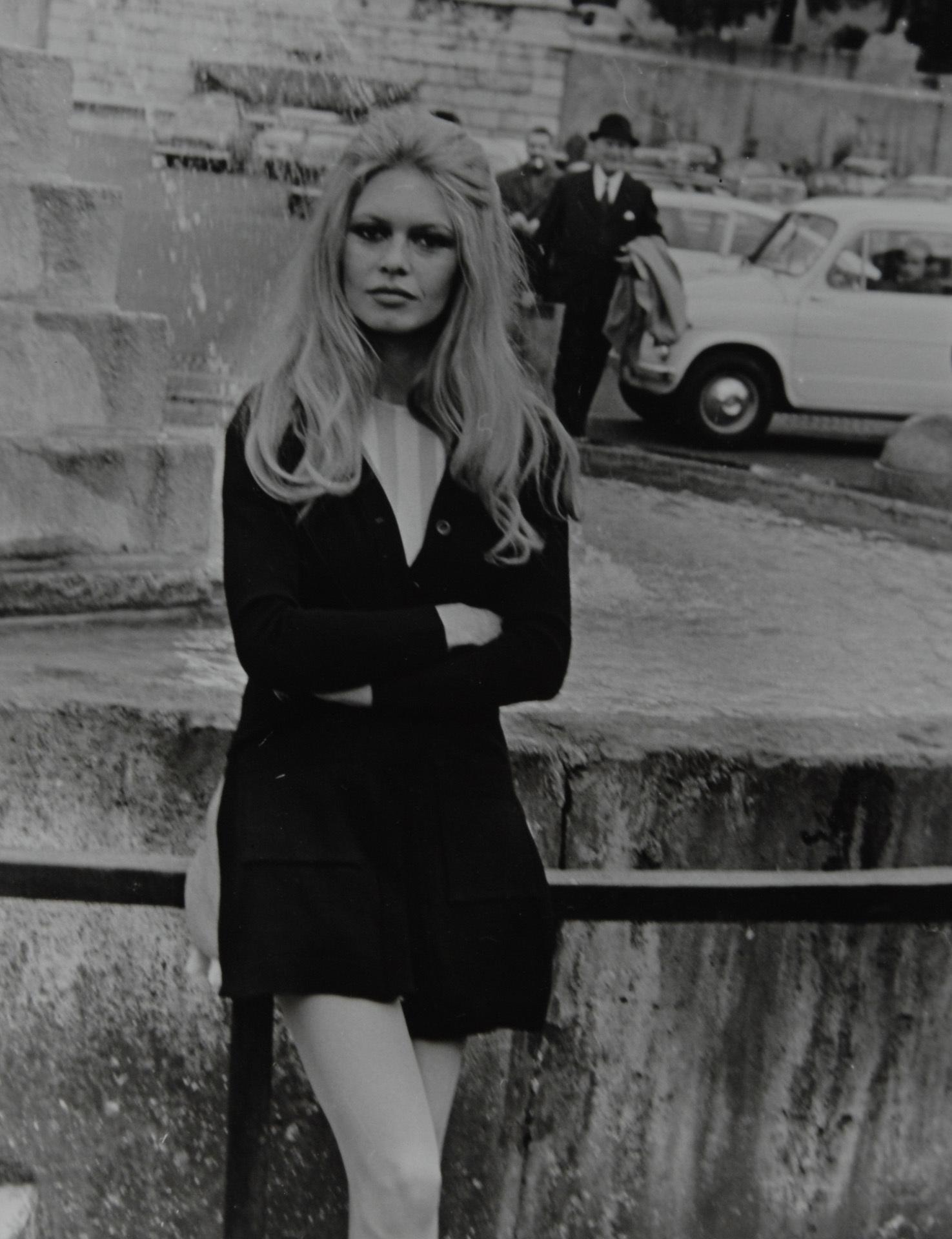La Verde Vittorio, 4 photographs: Brigitte Bardot in Rome