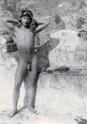 Gloeden Wilhelm von, 3 photographs: Rückenakt auf dem Monte Ziretto, approx. 1895; Knabenakt beim Monte Ziretto, approx. 1890; Knabenakt mit Palmwedel