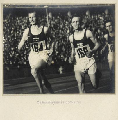 Riefenstahl Leni, Die siegreichen Finnen im 10 000m - Lauf