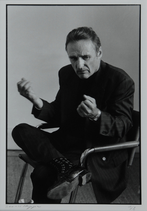 Isler Vera, Dennis Hopper