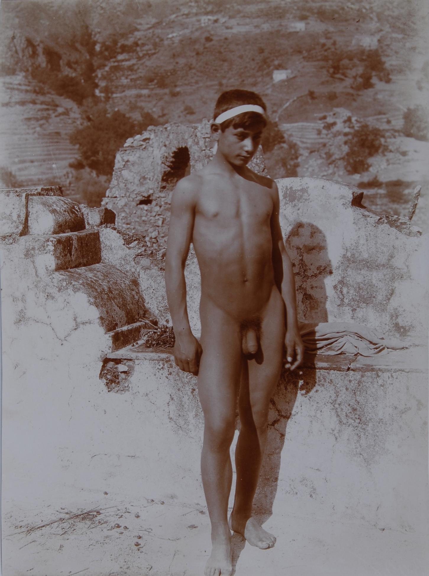 Gloeden Wilhelm von, 2 photographs: Sizilianischer Jüngling; Zwei sizilianische Jünglinge