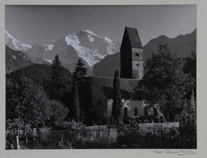 Steiner Albert, Kirche in Unterseen mit Blick auf Jungfraujoch